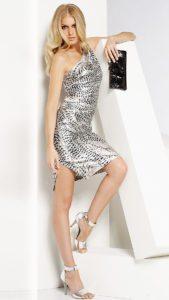 С чем носить блестящее серебряное платье