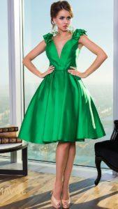 С чем носить блестящее зеленое платье