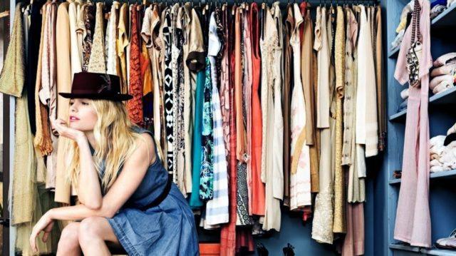 Сколько вещей должно быть в гардеробе женщины