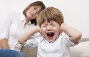 Как реагировать на капризы ребенка трех лет