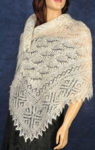 Оренбургский платок на плечи
