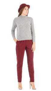 Что носить с брюками ягодного цвета