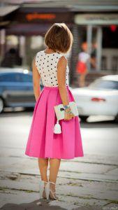 С чем носить ярко-розовую юбку