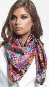 Как носить нашейный женский платок
