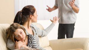 Муж изменяет, но не уходит - советы психолога