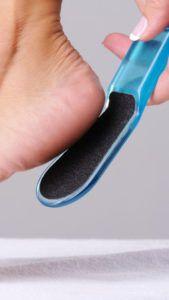 Как убрать натоптыши на ступнях в домашних условиях