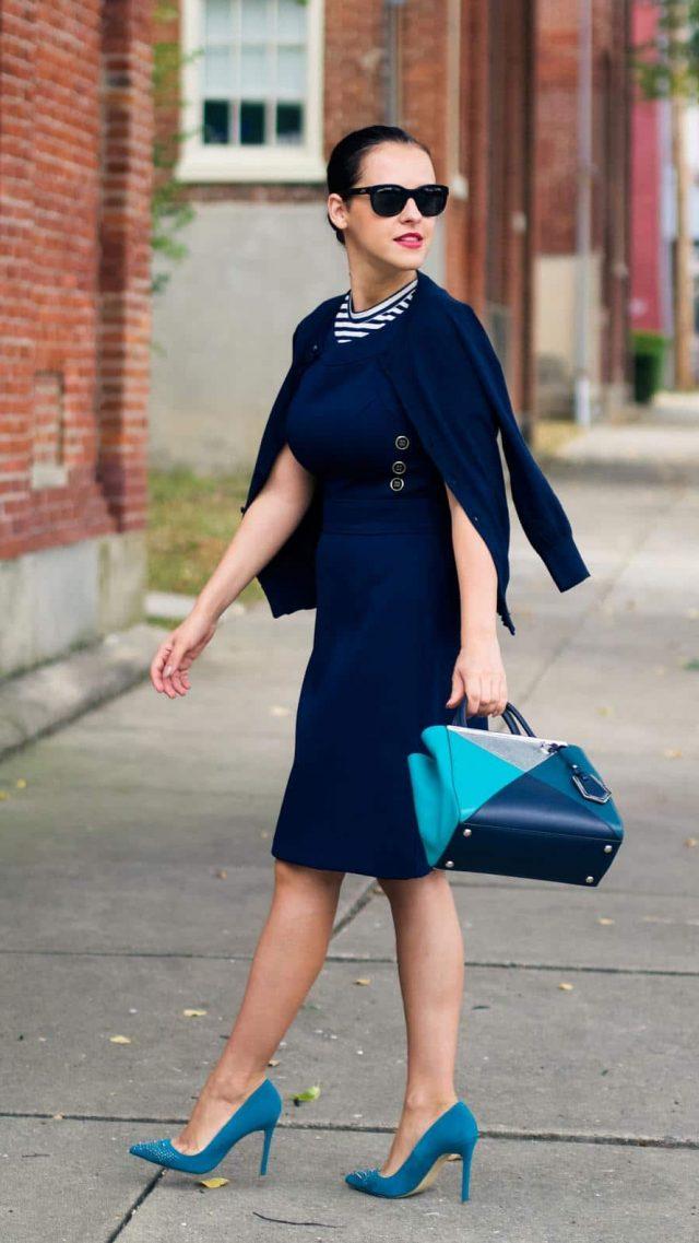 это касается цвет сумки под синее платье фото этого